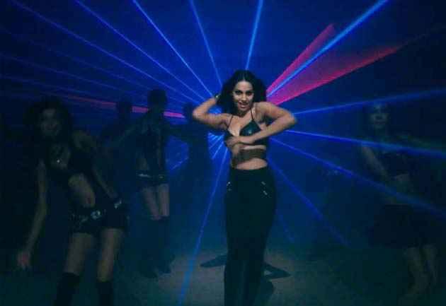 Raaz 3 Bipasha Sexy Dance Stills