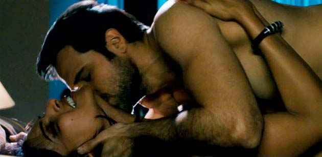 Raaz 3 Emraan Bipasha Hot Scene Stills