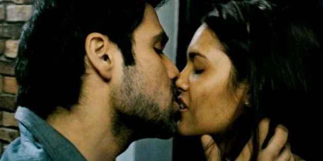 Raaz 3 Emraan Hashmi Esha Gupta Kiss Scene Stills