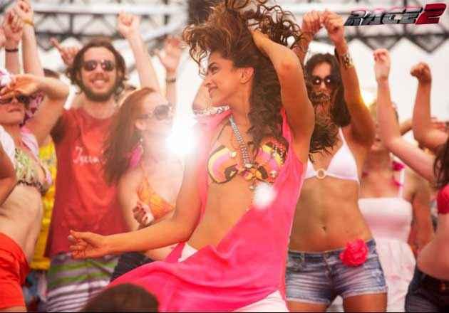 Race 2 Deepika Padukone Party On My Mind Song Stills