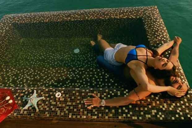 Race 2 Saif Ali Khan Deepika Padukone In Blue Bra Stills