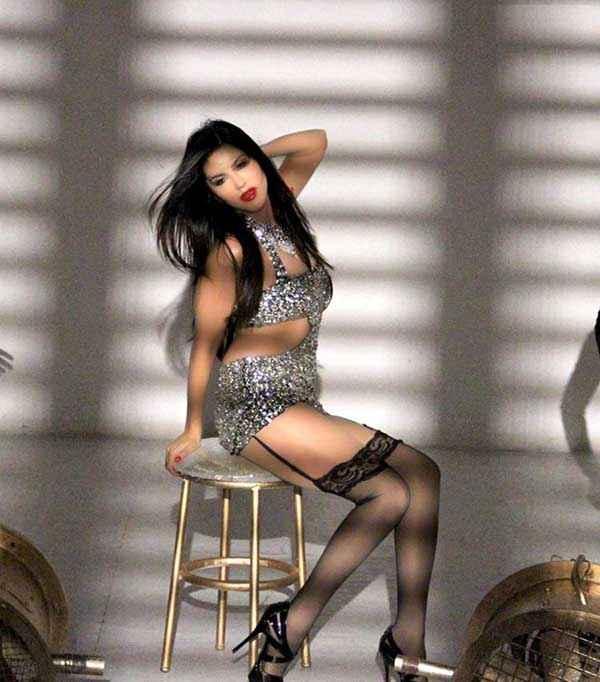 Ragini MMS 2 Sunny Leone Baby Doll Pics Poster