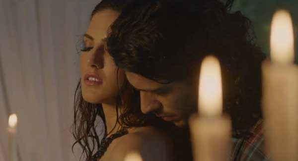 Ragini MMS 2 Saahil Prem Sunny Leone Hot Romantic Scene Stills