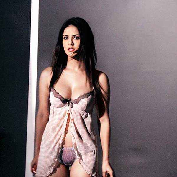 Ragini MMS 2 Sunny Leone Boobs Stills