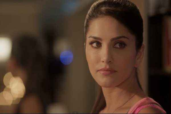 Ragini MMS 2 Sunny Leone Eyes Stills