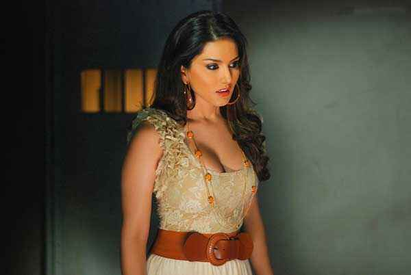 Ragini MMS 2 Sunny Leone Hot Wallpapers Stills
