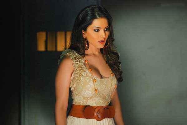 Ragini MMS 2 Sunny Leone Hot Wallpapers Stills