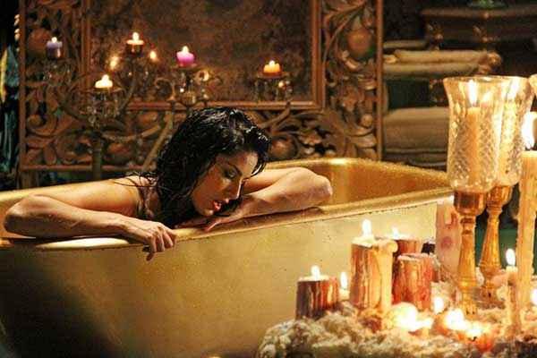 Ragini MMS 2 Sunny Leone In Bath Tab Stills