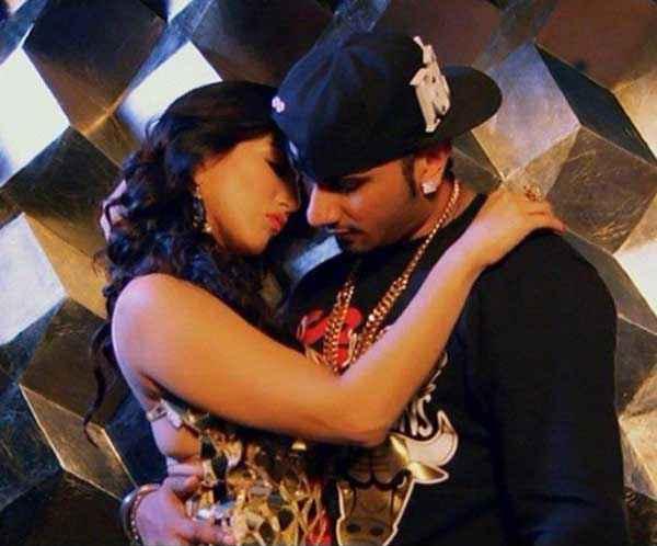 Ragini MMS 2 Sunny Leone Yo Yo Honey Singh Romance Stills
