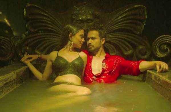 Raja Natwarlal Emraan Hashmi Humaima Malick Hot Scene In Bath Tuff Stills