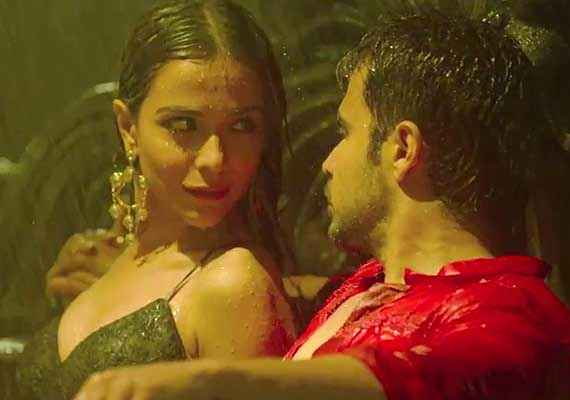 Raja Natwarlal Humaima Malick Hot Boobs With Emraan Hashmi Stills