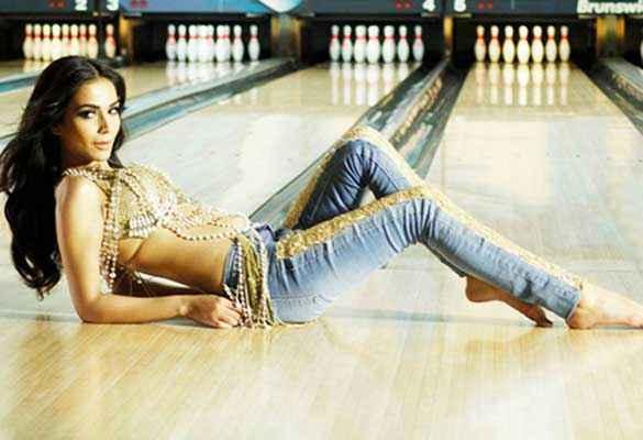 Raja Natwarlal Humaima Malick In Jeans Stills