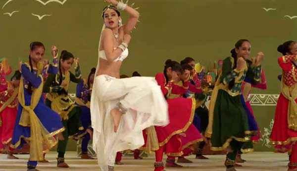 Rajjo Kangna Ranaut White Dress Dance Stills