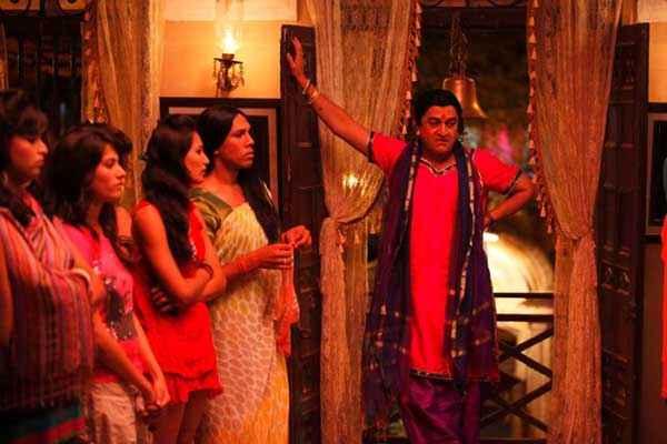 Rajjo Mahesh Manjrekar With Kinners Stills