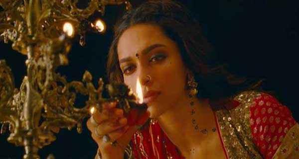 Ram Leela Deepika Padukone With Diya Stills