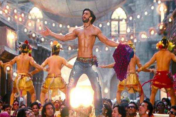 Ram Leela Ranveer Singh Body Stills