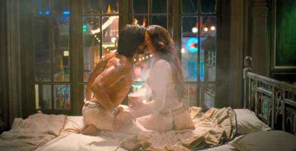 Ram Leela Ranveer Singh Deepika Padukone Hot Kiss Stills