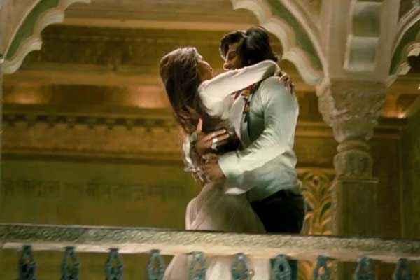 Ram Leela Ranveer Singh Deepika Padukone Hug Stills