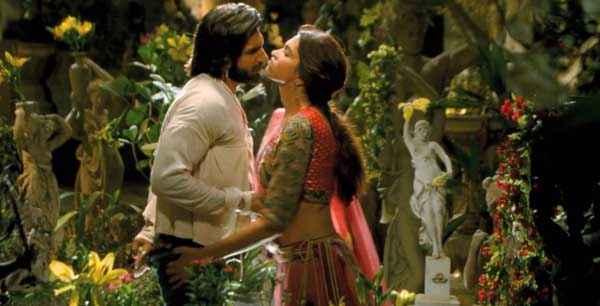 Ram Leela Ranveer Singh Deepika Padukone Kissing Scene Stills