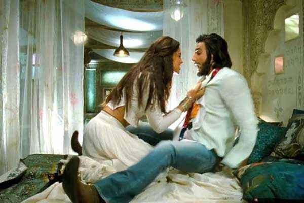 Ram Leela Ranveer Singh Deepika Padukone Naughty Scene Stills
