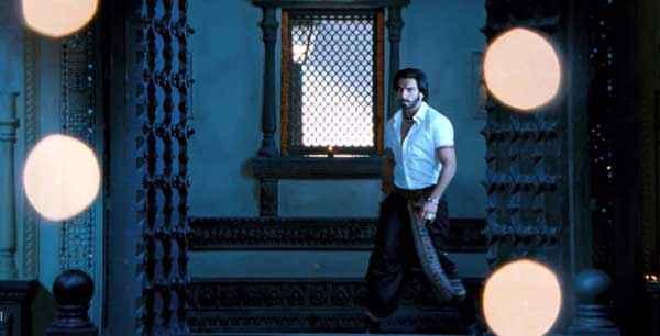 Ram Leela Ranveer Singh Images Stills