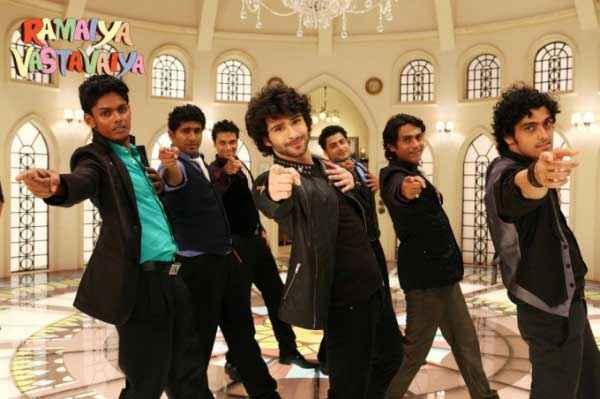 Ramaiya VastaVaiya Girish Taurani Dance Stills