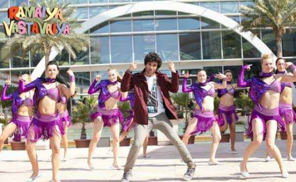 Ramaiya VastaVaiya Girish Taurani Sexy Dance Stills