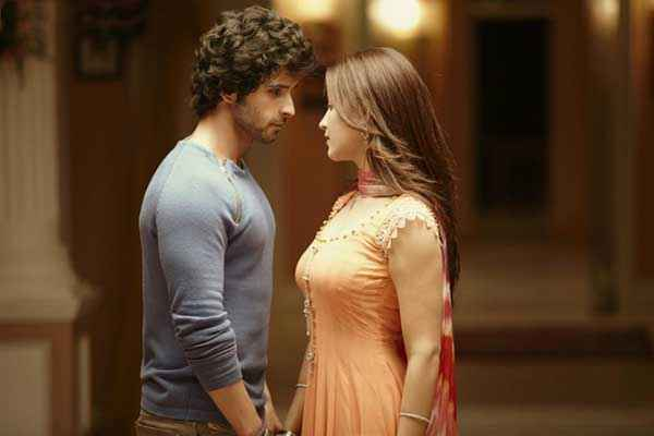 Ramaiya VastaVaiya Girish Taurani Shruti Haasan Hot Scene Stills