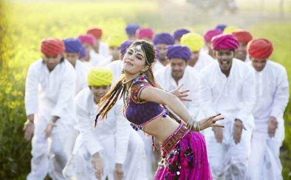 Ramaiya VastaVaiya Jacqueline Fernandez Jadoo Ki Jhappi Song Stills