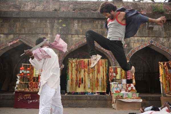 Rambo Rajkumar Shahid Kapoor Action Stills