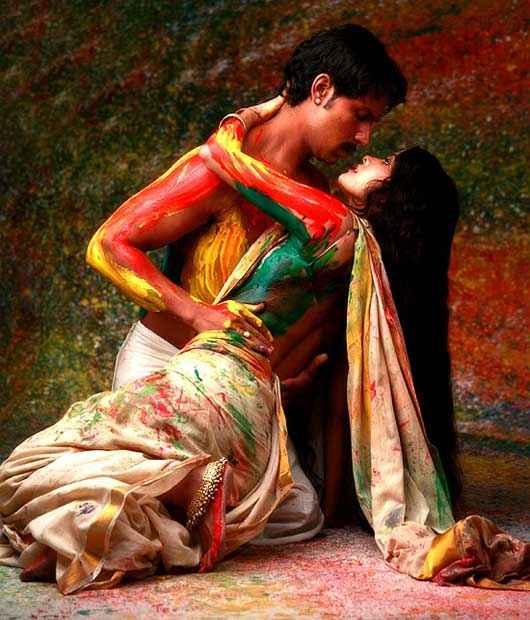 Rang Rasiya Hot kiss Stills