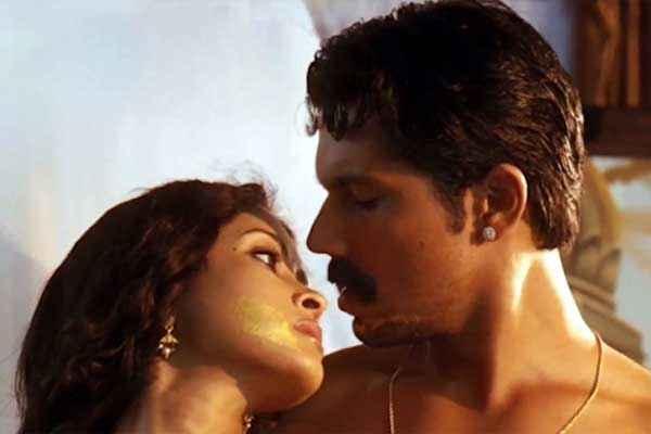 Rang Rasiya Nandana Sen Randeep Hooda Romance Stills