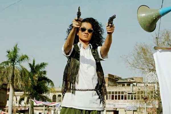 Revolver Rani Kangna Ranaut With Gun Stills