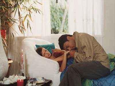Rog Irrfan Khan Ilene Hamman Romantic Scene Stills