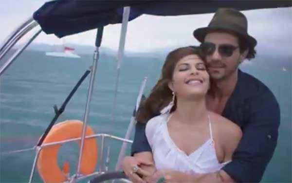 Roy Jacqueline Fernandez Arjun Rampal Romance In Boat Stills