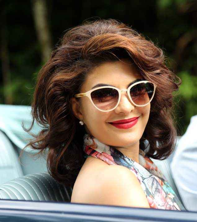Roy Jacqueline Fernandez Cute Smile With Red Lipstick Stills
