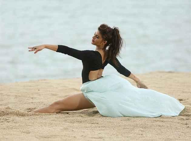 Roy Jacqueline Fernandez Sensual Dance Stills
