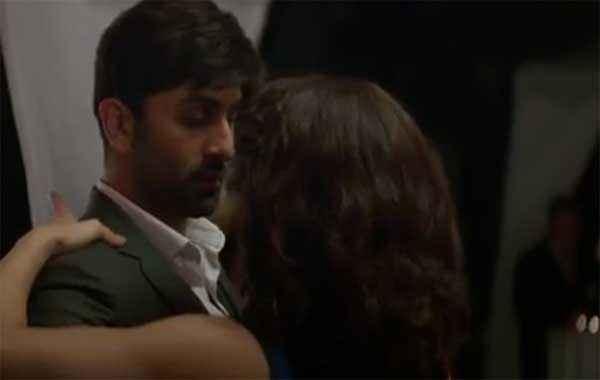 Roy Ranbir Kapoor Jacqueline Fernandez Romantic Scene Stills