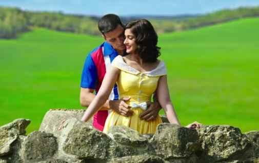 Rustom Akshay Kumar Ileana Dcruz Romantic Scene Stills