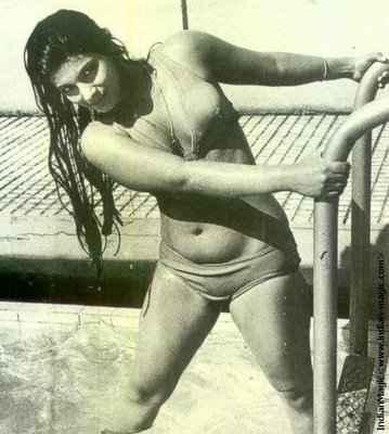 Saagar Dimple Kapadia Hot Bikini Scene Stills