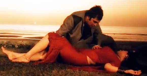 Saagar Rishi Kapoor Dimple Kapadia Hot Scene Stills