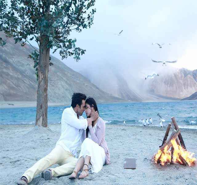Sanam Re Pulkit Samrat Yaami Gautam Romance Wallpaper Stills