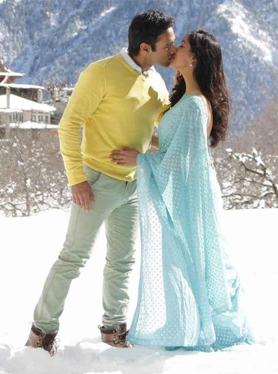 Sanam Re Pulkit Samrat Yaami Gautam Romantic Kiss Scene Stills