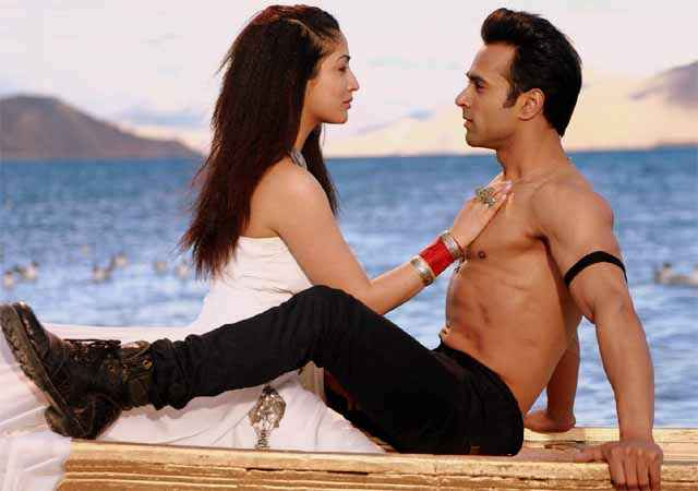 Sanam Re Pulkit Samrat Yaami Gautam Romantic Scene Stills