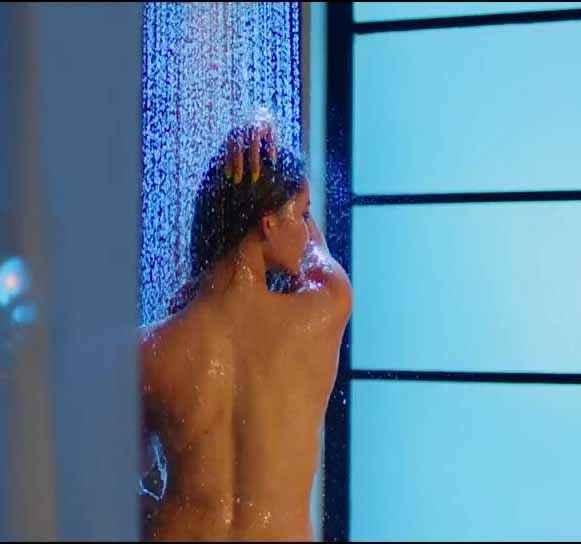 Sanam Re Urvashi Rautela Bath Scene in Hua Hai Aaj Pehli Baar Song Stills