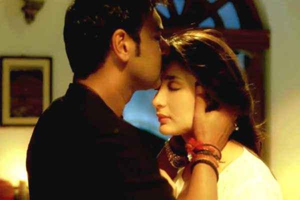 Satyagraha Ajay Devgn Kareena Kapoor Hot Kiss Stills