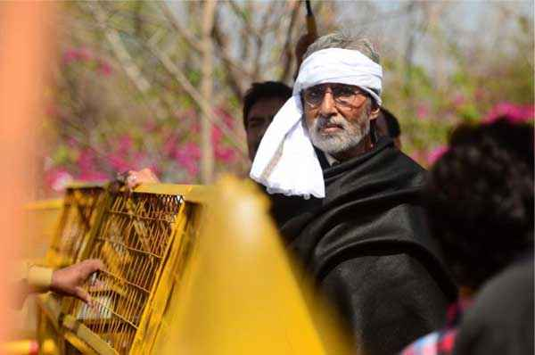 Satyagraha Amitabh Bachchan New Pics Stills