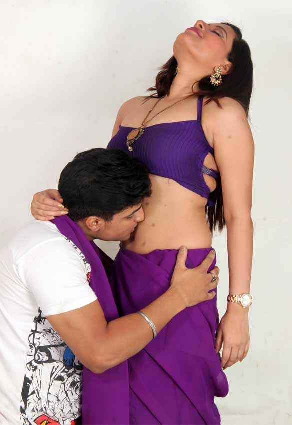 School Teacher Ajay Bafna Kissing Gayatri Singh Tummy Stills