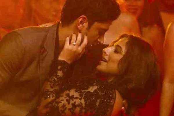 Shaadi Ke Side Effects Farhan Akhtar Vidya Balan Hot Pics Stills