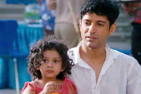 Shaadi Ke Side Effects Farhan Akhtar with Kid Stills